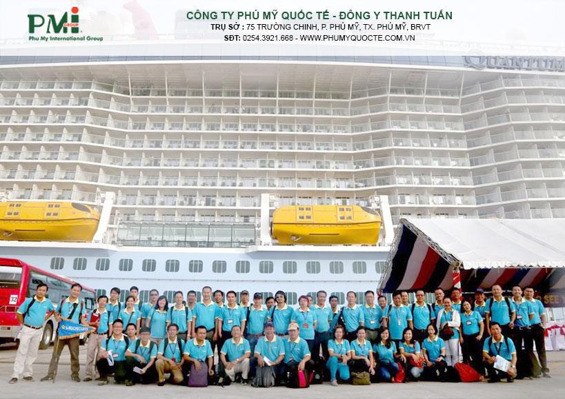 Đội ngũ hướng dẫn viên hùng hậu và chuyên nghiệp của Saigontourist sẵn sàng phục vụ đoàn khách tàu biển Quantum of the Seas tham quan Việt Nam.